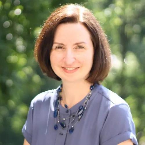 Headshot of Cathy Letcher